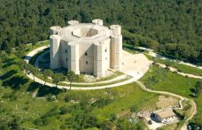 Weekend in Castel del Monte, vinegrowing in the Murge